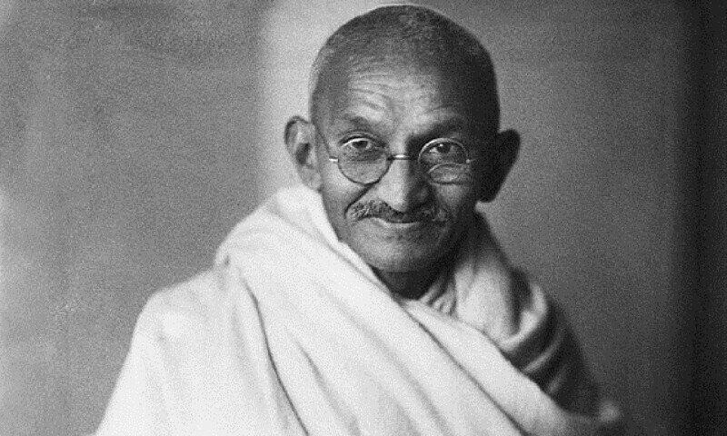 На британских деньгах впервые появится портрет индийца