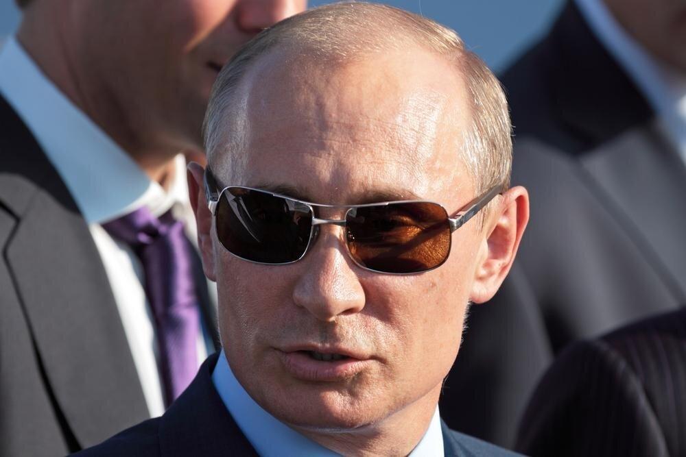 Почему Владимира Путина называют чекистом?