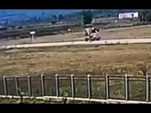 Два человека попали под колеса при катании в ковше погрузчика
