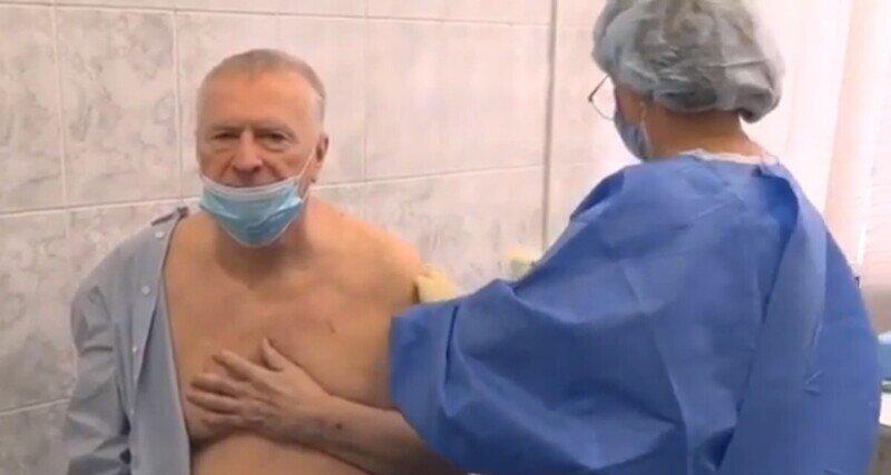 Жириновский протестировал на себе прививку от коронавируса