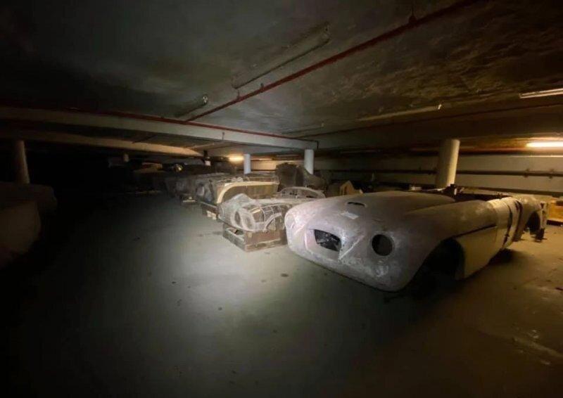 Подвал с сокровищами: с аукциона продадут исторические активы Bristol Cars