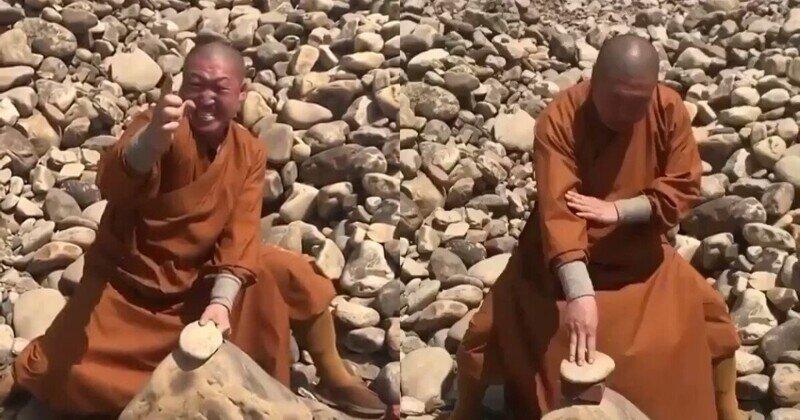 Шаолиньский монах показал, как пальцами разбивает камни