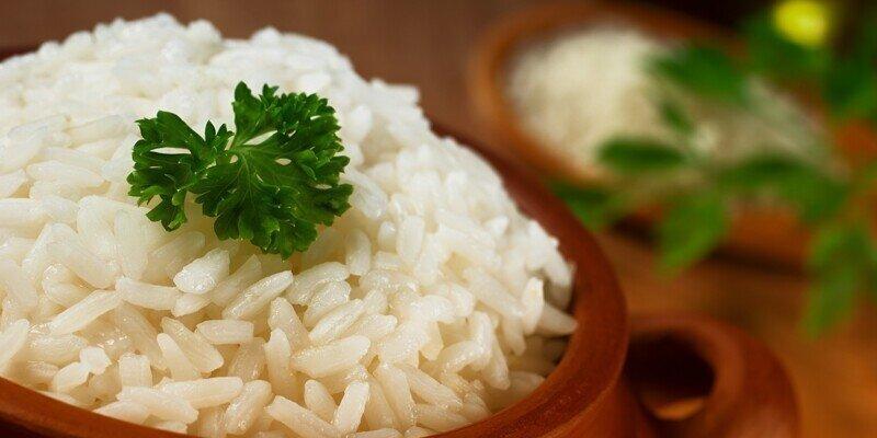 Как варить рис в кастрюле на воде