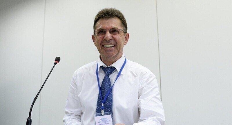 Директор центра спортивной подготовки России Александр Кравцов платил родственникам из бюджета
