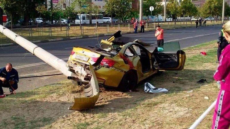 Авария дня. Дрифт на спортивном BMW закончился гибелью трех человек