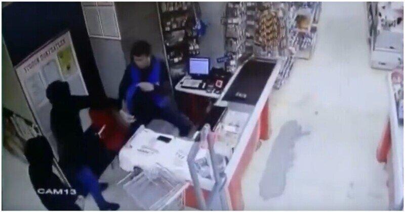 Подсобный рабочий отбился от грабителей подручным товаром