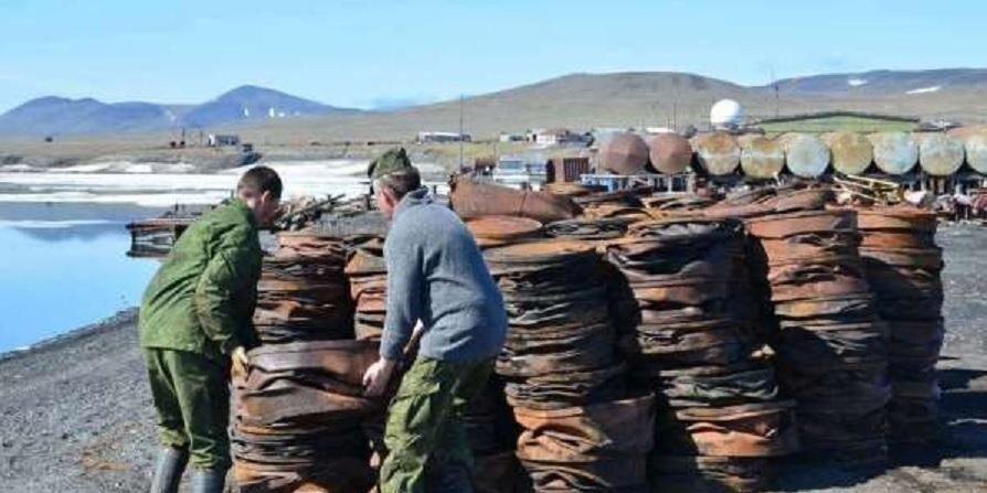 Российские военные экологи набрали ещё 150тонн металлолома наострове Врангеля