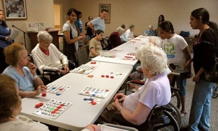 Как в Нью-Йорке сживают со свету пожилых людей