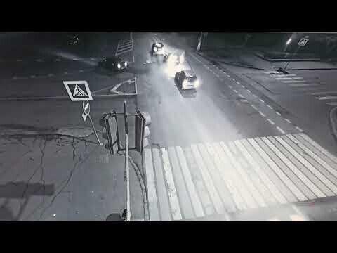 ДТП в центре Волгограда, пассажир вылетела из машины