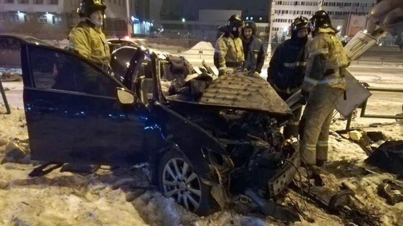 Авария дня. Момент смертельного ДТП с участием Lexus и автобуса в Иркутской области