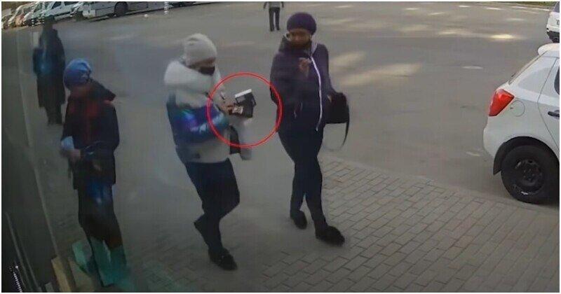Женщина украла телефон у 10-летнего мальчика