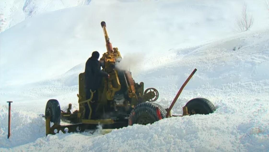 Стало известно, как и для чего спустили лавину, накрывшую горнолыжный курорт в КЧР