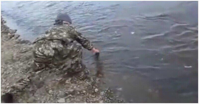 Как жители Камчатки ловили корюшку голыми руками