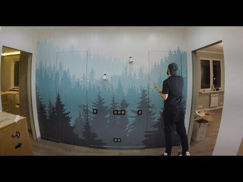 Елки на стене