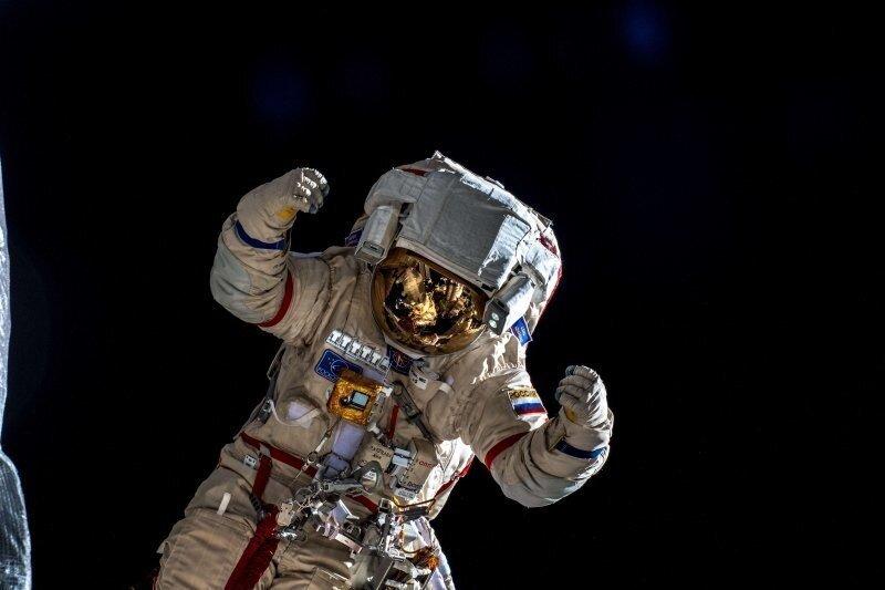 Космонавты пожаловались на низкие зарплаты, бюрократию и неуважение со стороны начальства