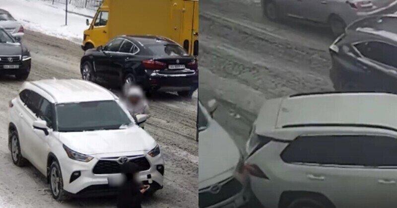 Киевлянка дважды врезалась в одно и то же авто, потому что волновалась