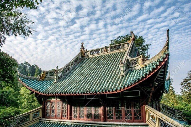 Почему крыши китайских традиционных зданий загнуты вверх?