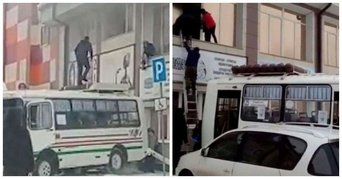 В Горно-Алтайске водитель подогнал автобус к горящему ТЦ и спас людей