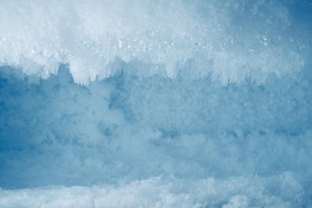 Ледяная шуба: причины намерзания льда и снега в морозильной камере