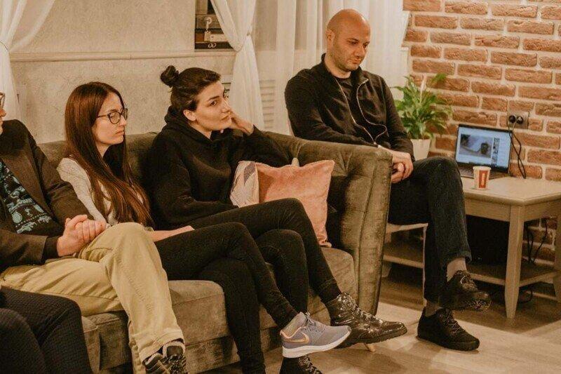 Заседание кавказского литературного клуба закончилось массовой дракой