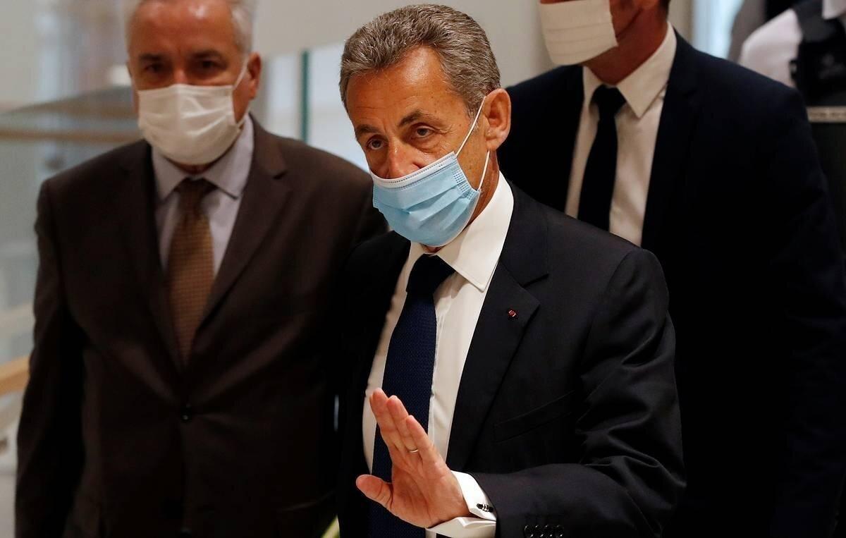 Экс-президент Франции Николя Саркози получил реальный срок за коррупцию