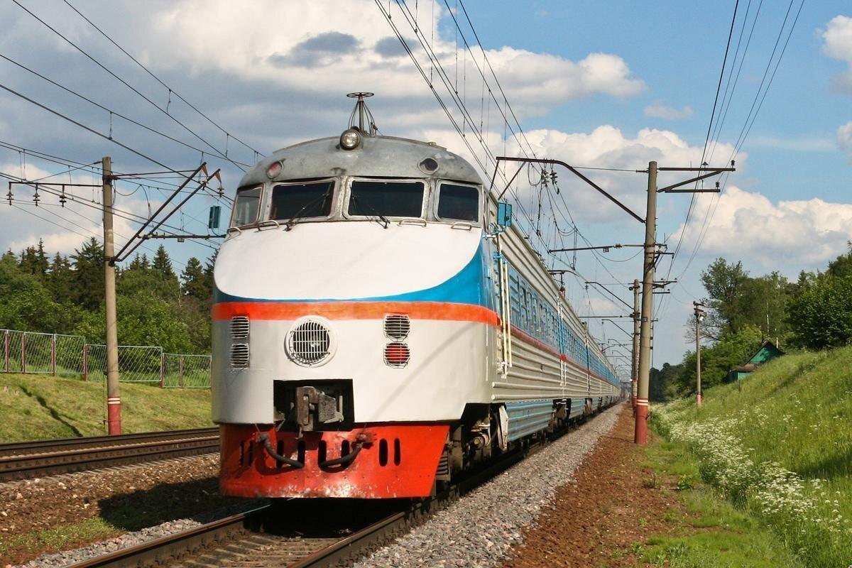 Самый скоростной электропоезд СССР. ЭР200