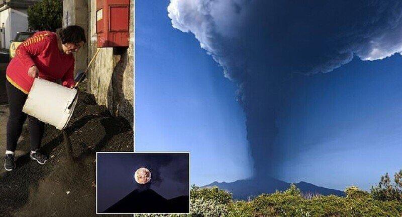 Вулкан Этна снова активизировался и засыпал пеплом все вокруг