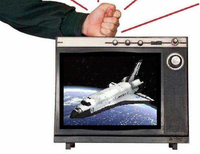 Почему в СССР телевизор начинал нормально показывать от удара кулаком? Все очень просто