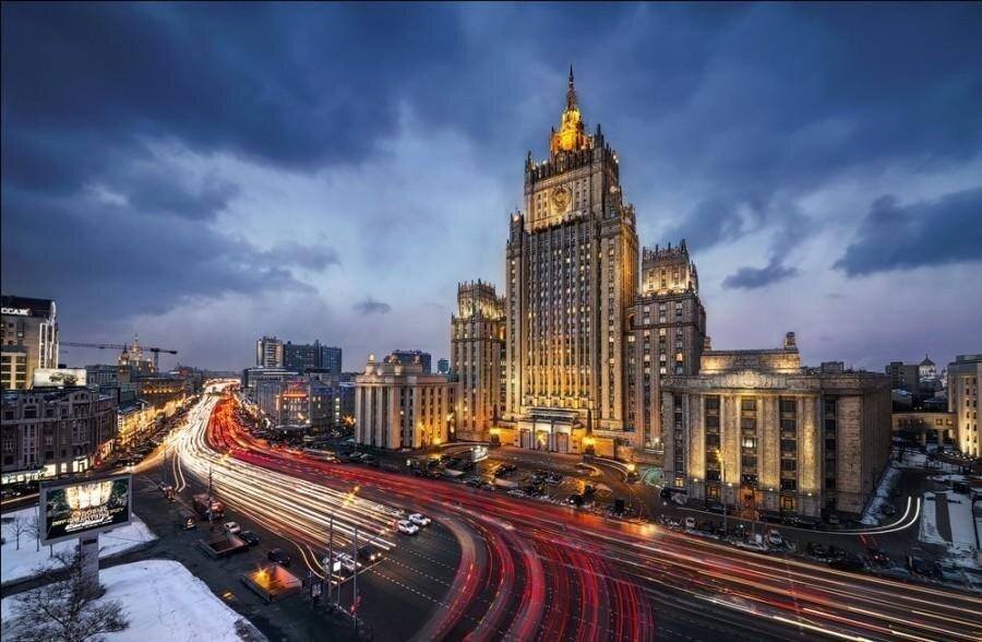 В МИД России после ввода новых санкций призвали США неиграть согнём