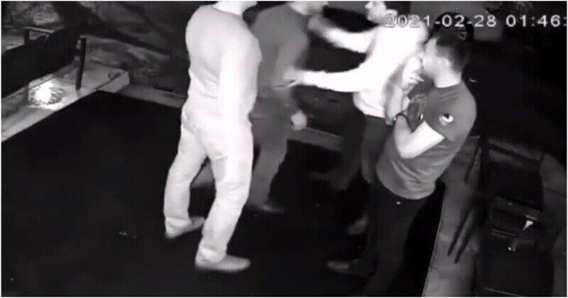 Мужчина нокаутировал двух посетителей караоке-бара в Липецке