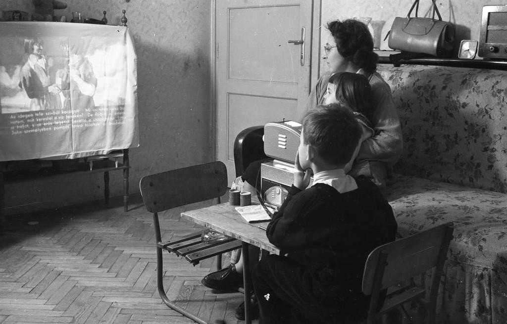 Сказка, которую дарили советским детям простыня на стене, выключенный свет и простой диапроектор