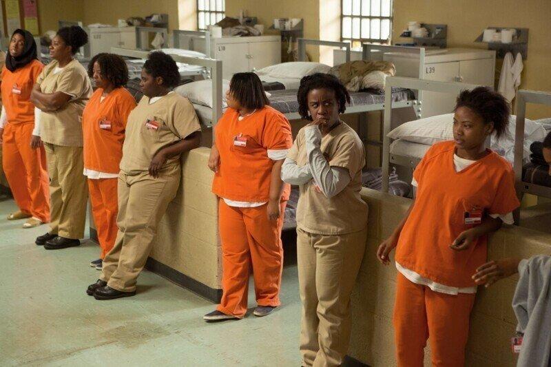 На западе мужиков, идентифицирующих себя женщинами, селят в женские тюрьмы