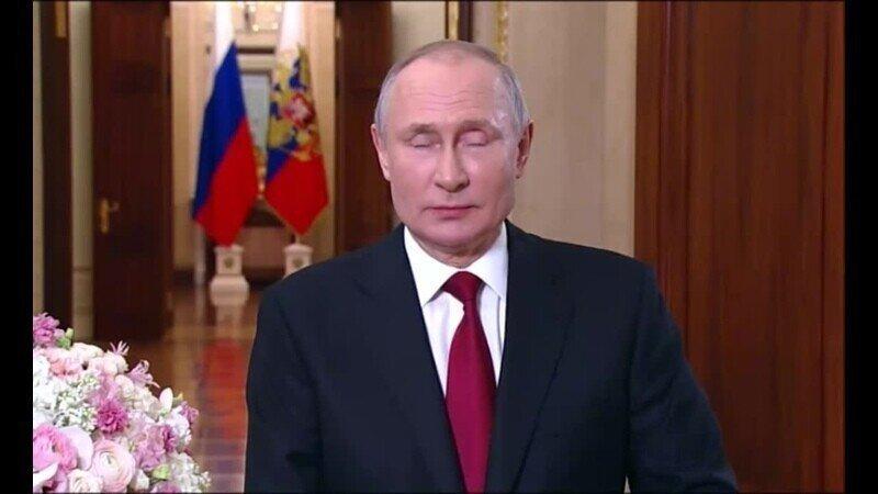 Владимир Путин и космонавты с МКС поздравили женщин России с 8 марта