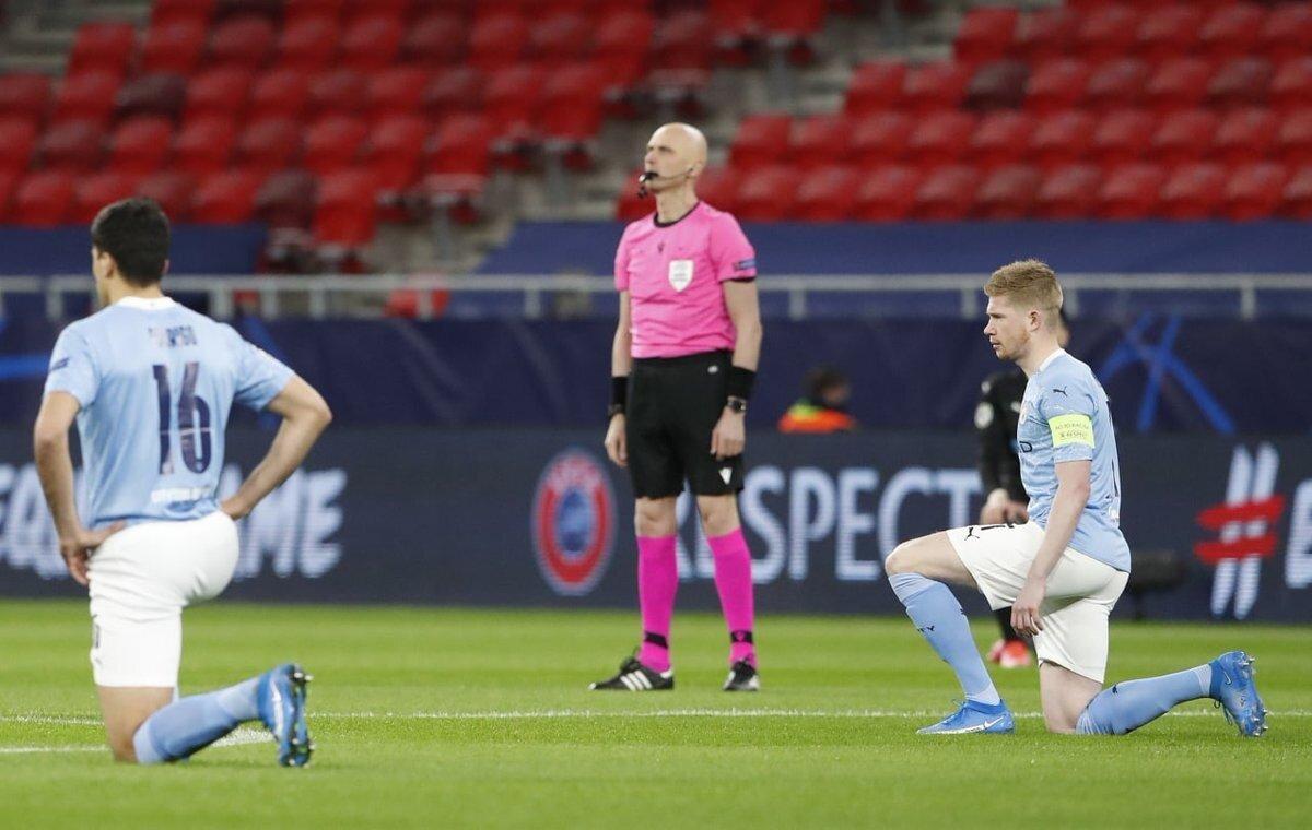 Российская бригада арбитров отказалась вставать на колено перед матчем Лиги чемпионов