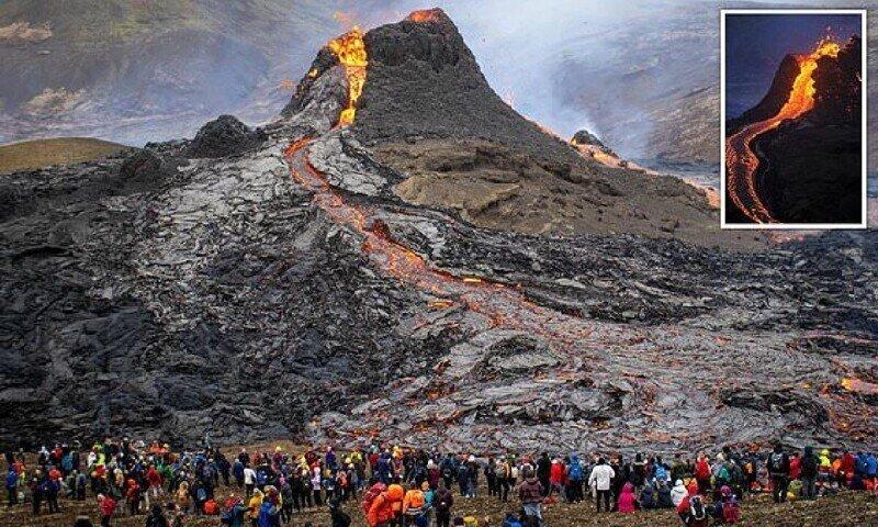 Пилот дрона сделал потрясающие кадры извержения вулкана в Исландии