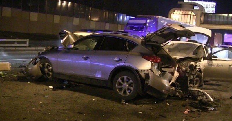 Авария дня. Столкновение шести автомобилей на МКАД