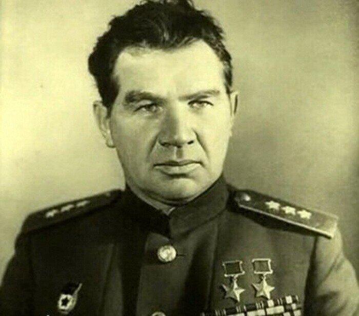 Что ответил маршал Чуйков подлецу и либералу Солженицыну