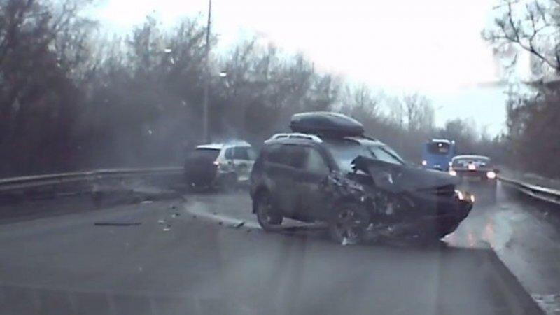 Авария дня. Двойной обгон в Кемеровской области