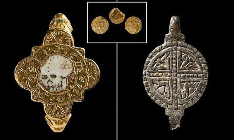 """Кладоискатели нашли в Уэльсе """"кольцо смерти"""""""