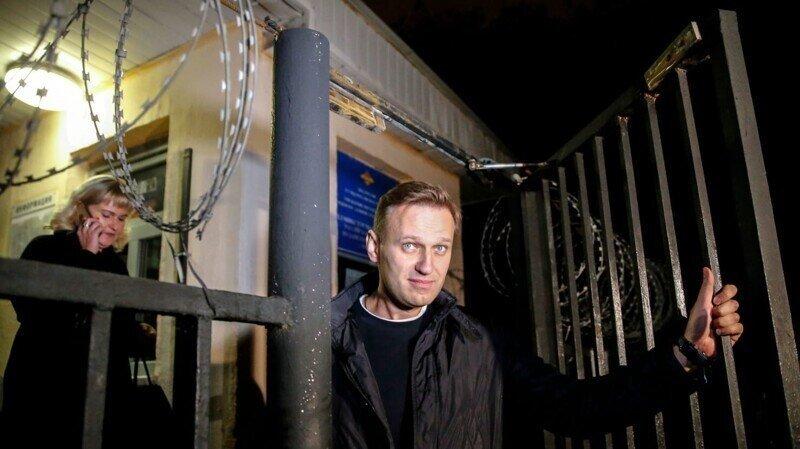 Лентяй и хамло: сокамерники Навального не в восторге от своего соседа