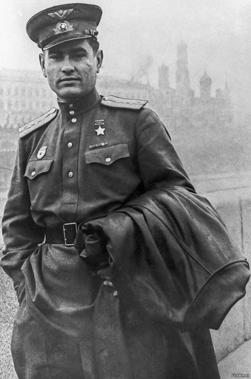4 апреля 1942 года был сбит лётчик Алексей Маресьев