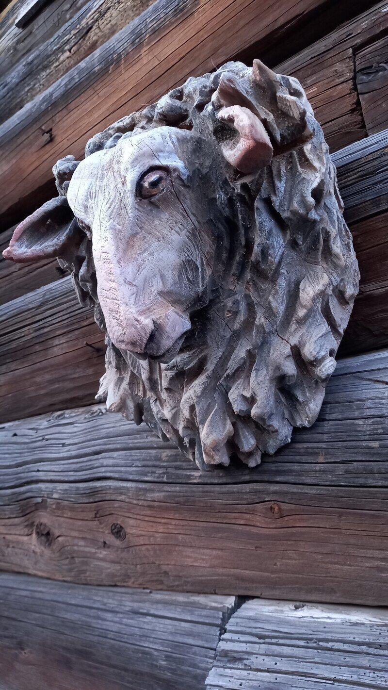 Овца. Резьба бензопилой