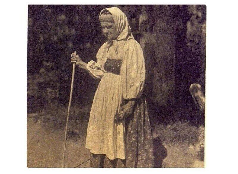 «Браковки»: почему эти женщины на Руси носили детскую и старушечью одежду одновременно