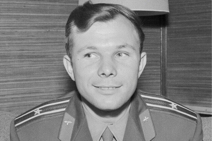 8 ярких фактов о Гагарине — они превращают его из покорителя галактики в обычного человека