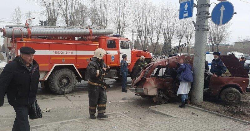 Авария дня. Пожилые супруги погибли в ДТП в Новосибирске
