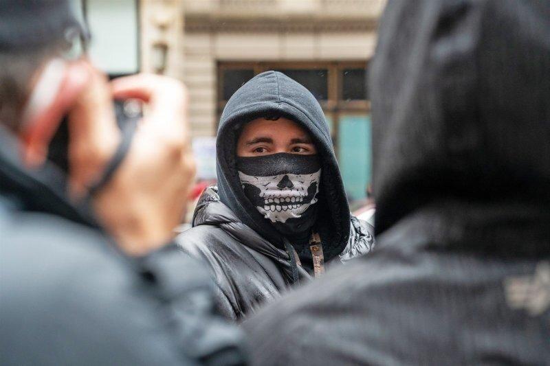 Всего один участник движения White Lives Matter вышел на митинг в Нью-Йорке