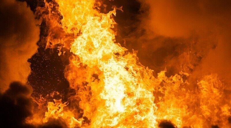 Подростки подожгли дом и похвастались об этом в сети