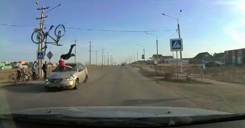 Жуткое ДТП: в Магнитогорске водитель на полном ходу сбил юного велосипедиста