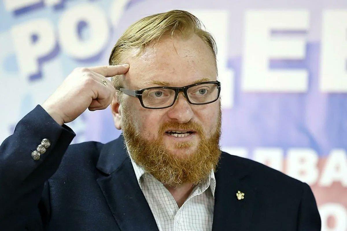 Милонов уподобил рекламу алкоголя в сети призывам к самоубийству