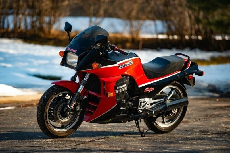 Kawasaki Ninja ZX900 — главный мотоцикл Тома Круза